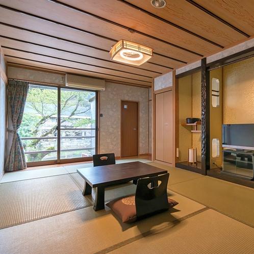 【和室10畳(1F)】広々とした客室でお連れ様とのご旅行にオススメ。洗浄機付トイレ有。