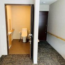 【洋室バリアフリー3F】トイレは広々です♪