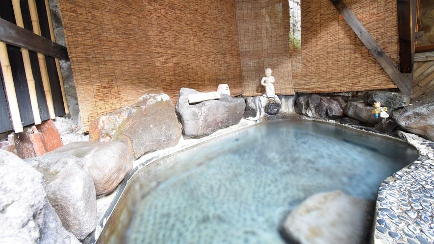 露天風呂 貸切時間帯は選択可能
