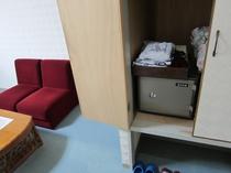 【山側洋室アメニティー1】バスタオル・タオル・浴衣・歯ブラシはクローゼットの中にご用意