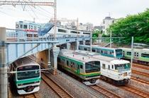 日暮里駅を走る電車たち
