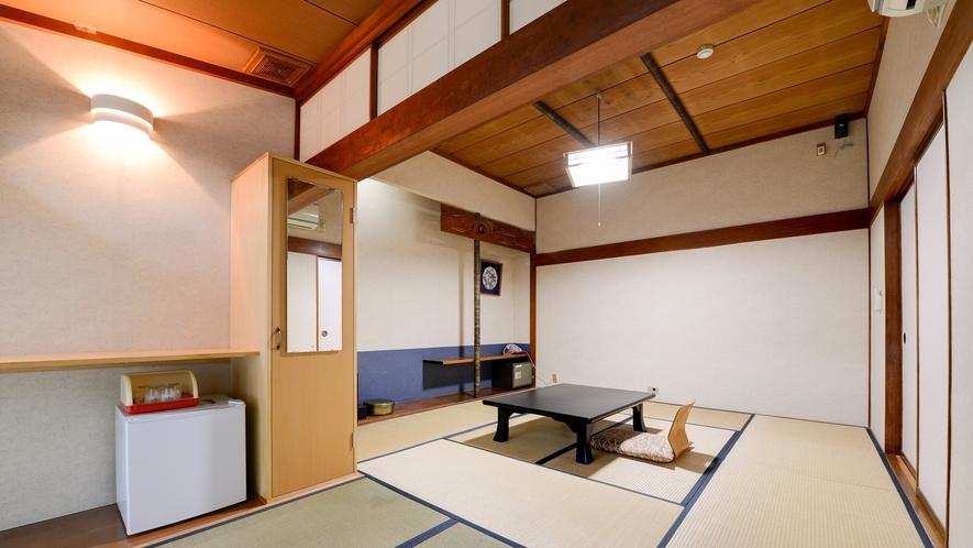 *客室一例・和室トイレ付き/広々としたお部屋で、ご家族やご友人とゆっくりお過ごしいただけます。