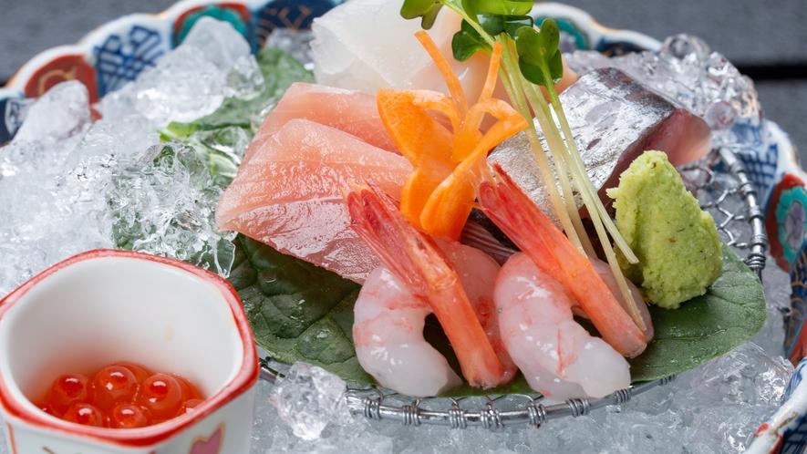 *夕食一例/新鮮で脂が のったプリプリのお刺身をお召し上がりください。