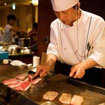 【レストランゐきり】オープンキッチンからはお肉焼ジューッとける音―-