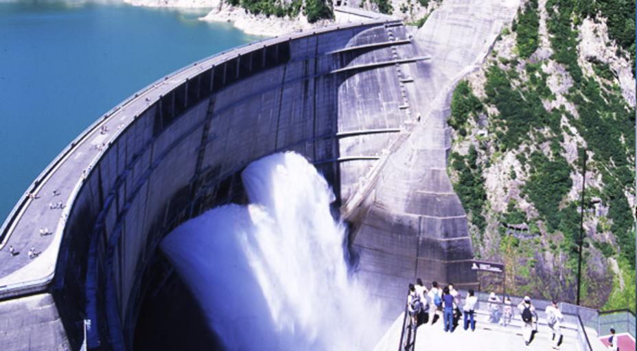 夏季 黒部ダム