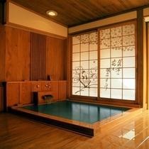 【貸切展望露天風呂「花さかの湯」】貸切風呂は全部で4つ。有料、予約制(先着順)となっております。