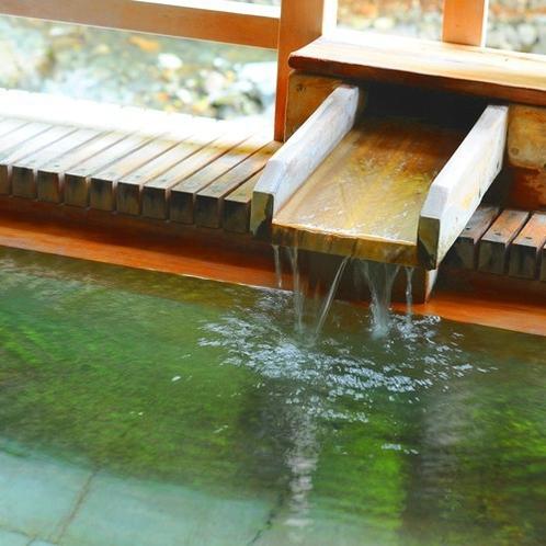 ■四万川の湯■四万は豊富な湯量と、四万(よんまん)もの病に効く湯治場として栄えてきました。