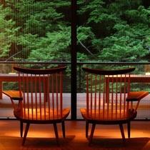 ■月見台ラウンジ■3階と最上階(7階)のラウンジ。開放感ある窓から、四季を楽しんでいただけます。