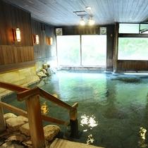 ■お題目露天風呂■四万は豊富な湯量と、四万(よんまん)もの病に効く湯治場として栄えてきました。
