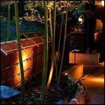 ■外観■旅館の雰囲気を大切にした建物まわり。