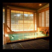 ■貸切展望風呂■檜のぬくもりに心やすらぐ「内風呂」と「露天風呂」それぞれお楽しみいただけます。