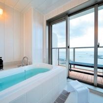 RoomBath 西館4階 ジャパニーズリゾート オーシャンビュー半露天風呂