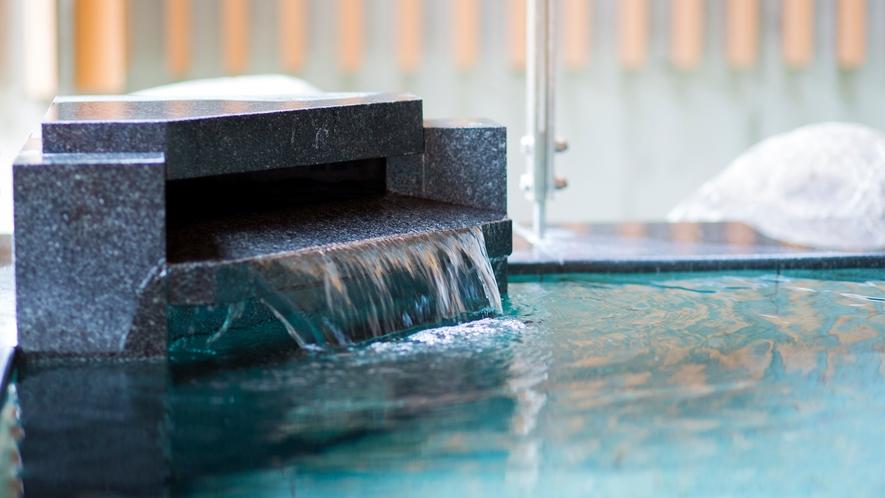 【泉質】ナトリウム・カルシウム硫酸塩泉。無色透明で肌に優しい美肌の湯です