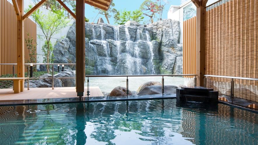 【大浴場】滝見露天風呂 ※写真は男湯