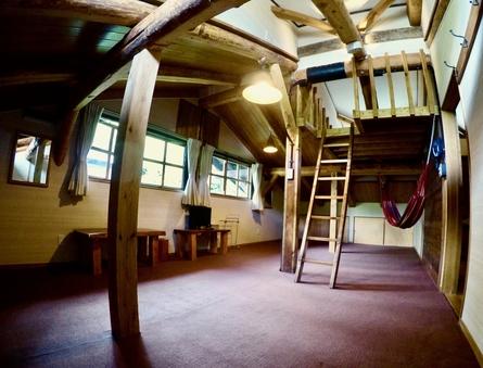 ロフト付き 屋根裏部屋 16畳