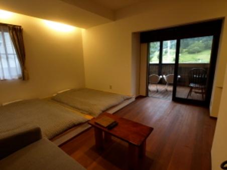 テラス、トイレ付、牧場を一望できる部屋