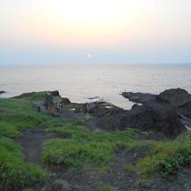 《小木の景色》 沢崎海岸 夕日の絶景スポットです