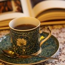 朝のスタートはこだわりのコーヒーから
