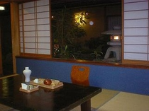 ■和室「井泉水」手造り焼酎(製造許可有)は試飲可能
