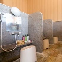 大浴場 洗い場仕切り