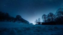 冬のナイトツアー スキー場と星空