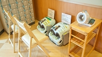 足裏マッサージ機と血圧計