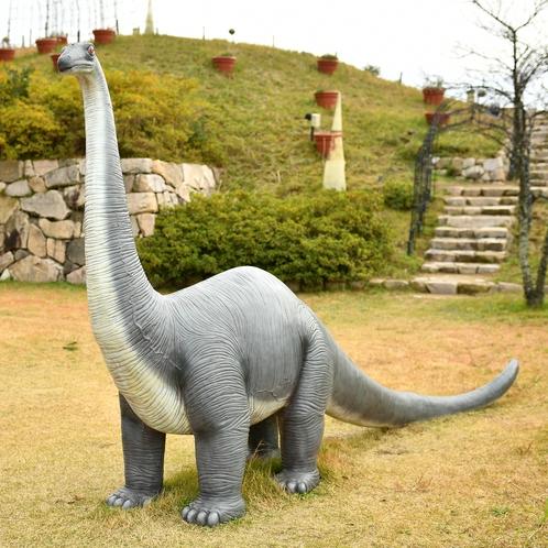 ハッピーワンダー入口恐竜