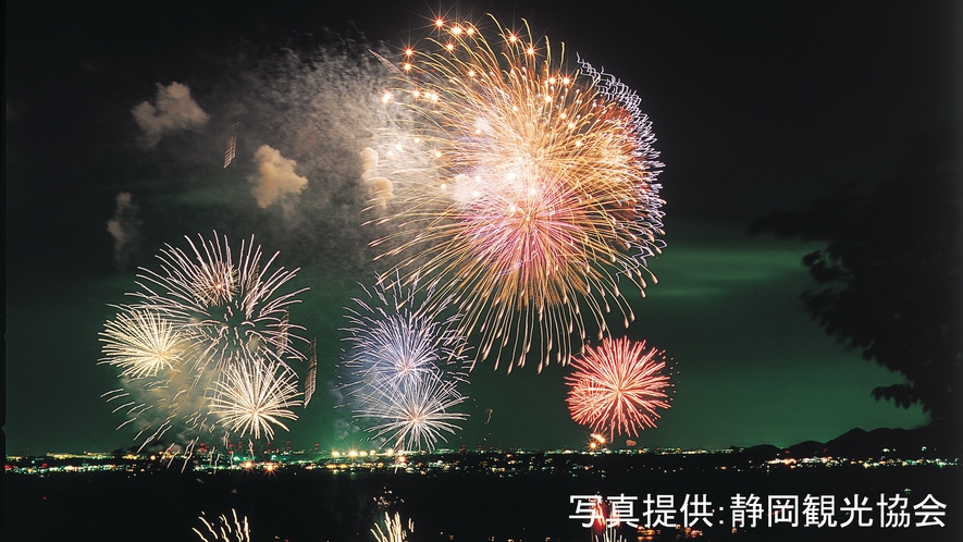 ★浜名湖かんざんじ温泉灯篭流し花火大会