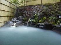 男性用露天風呂(山ぼうし)