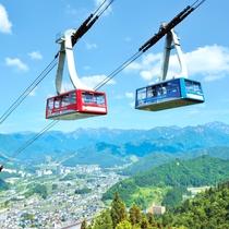 *【周辺観光】<湯沢高原ロープウェイ(車で5分)>麓から標高1000mの湯沢高原を7分で繋ぎます。