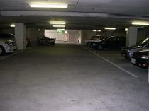 地階駐車場