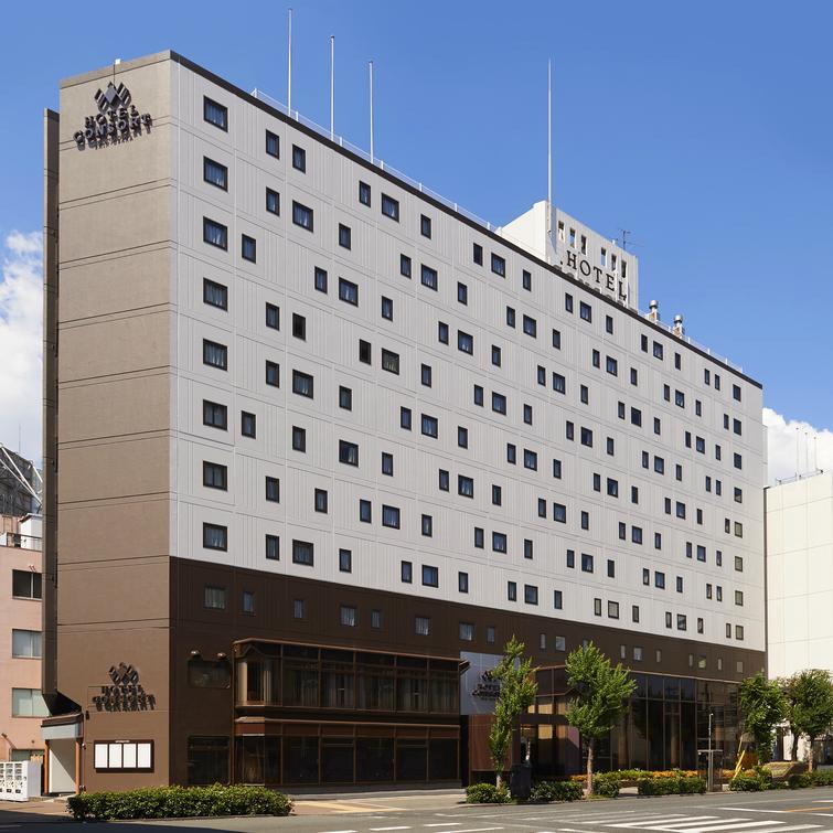 【ホテル外観・昼】 2018年7月16日リニューアルオープン