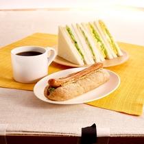 【カフェ・ベローチェ】つくりたてのサンドイッチ