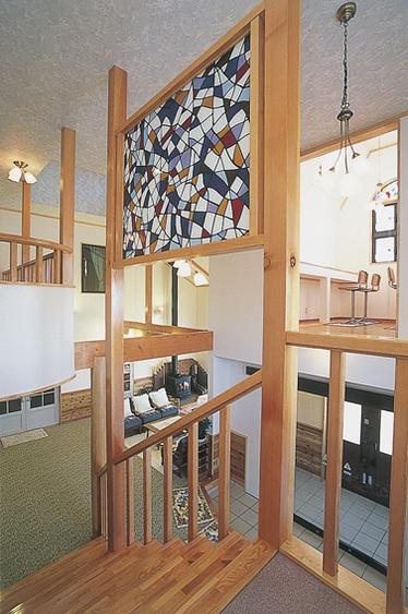 階段のステンドガラス