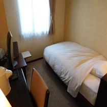 セミダブルルーム【14平米 120センチ幅ベッド】