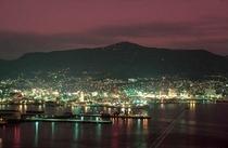 佐世保「赤碕岳」から一望できる佐世保 夜の街