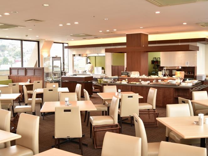 9F展望レストラン 「メープル」