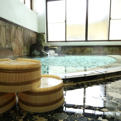 【秋冬旅セール】たっぷり一皿!馬刺し付♪おいしいお料理と源泉かけ流しの温泉で元気チャージ☆