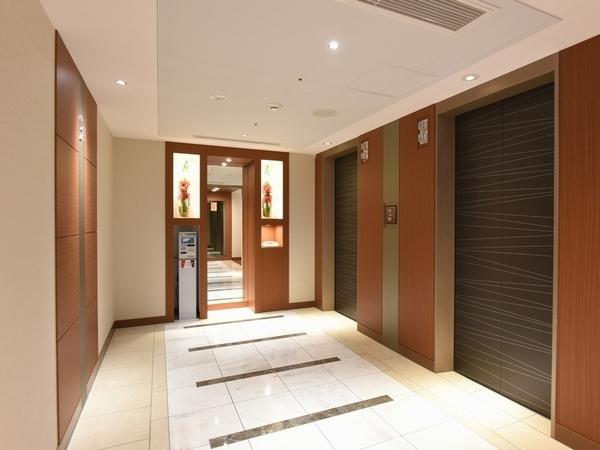 客室エレベーターホール前