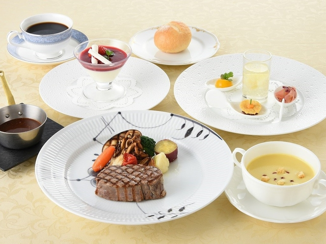 フレンチレストラン「ロジェ」料理イメージ(メイン肉料理)
