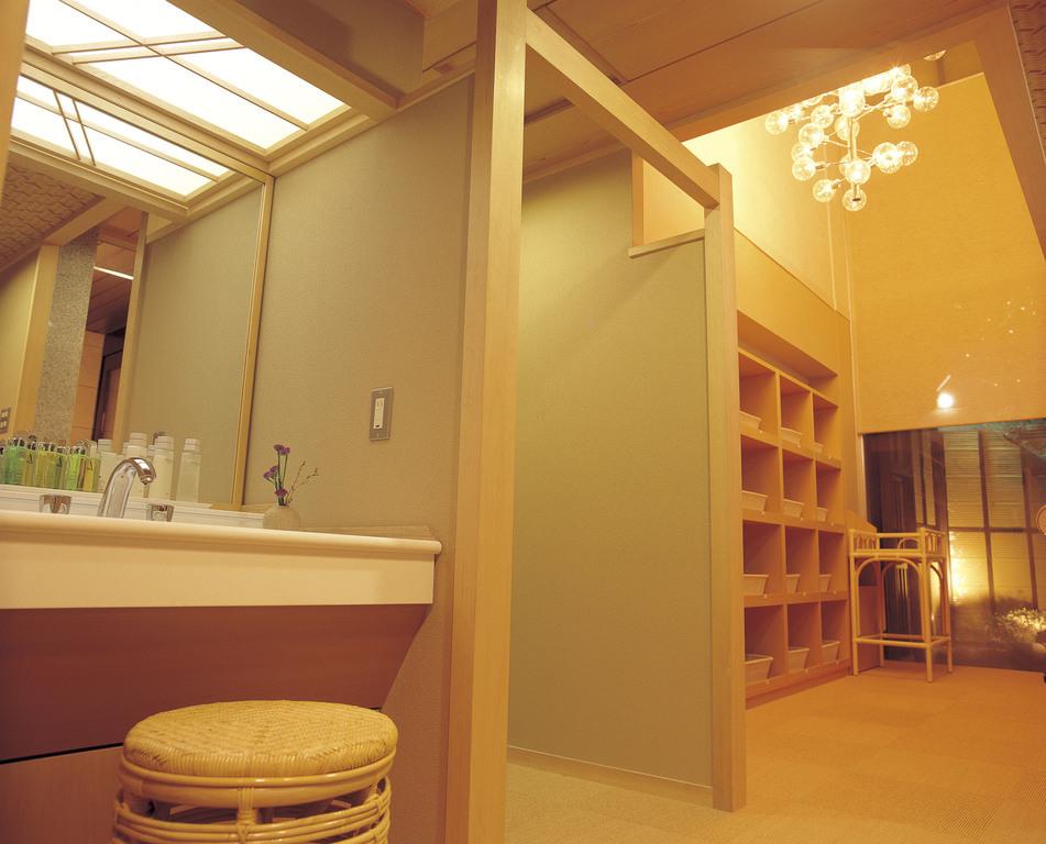 大浴場「若草の湯」洗面脱衣室