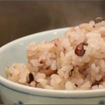 ミネラル・食物繊維が豊富な十六穀米(朝食)
