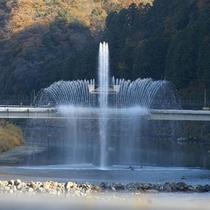 ゆ~らぎ橋の噴水