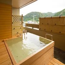 【デラックス高野槇の露天風呂付和室】12畳・贅沢なひとときを