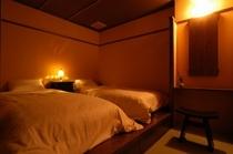 露天風呂付客室「夕光」ベットルーム