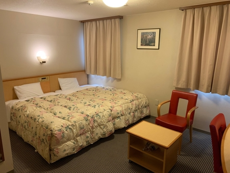 【禁煙ハリウッドツインルーム】ベッド2台をくっつけたお部屋