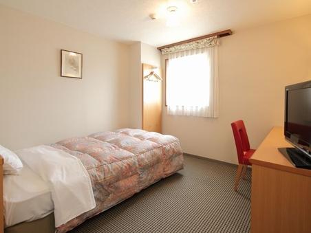 【禁煙シングルE】モダンな部屋ベッド幅140cm
