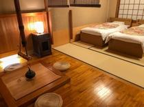 飾り囲炉裏付き客室4