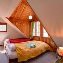 *ツイン(客室一例)/カップルやご夫婦でのご宿泊にオススメ!窓からそよぐ清らかな風が心地よい。