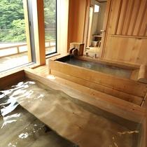 【別館さくら】お風呂は寝湯にはかけ流しのにごり湯、そして檜風呂と2つの浴槽があり豪華です!